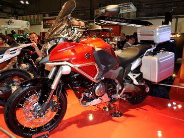 Lu Tembak Untuk Motor Touring motor honda untuk pecinta touring