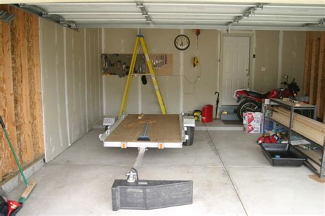 Garage Storage Lift Diy Motorized Garage Storage Lift Bed Diy A Motorized Garage