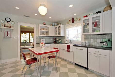 retro kitchen decorating ideas vintage kitchen decorating ideas decobizz
