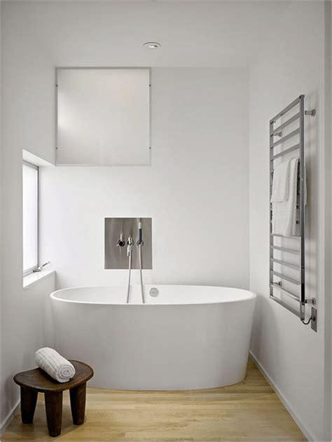 interest free bathrooms b q 25 melhores ideias sobre toalheiros no pinterest