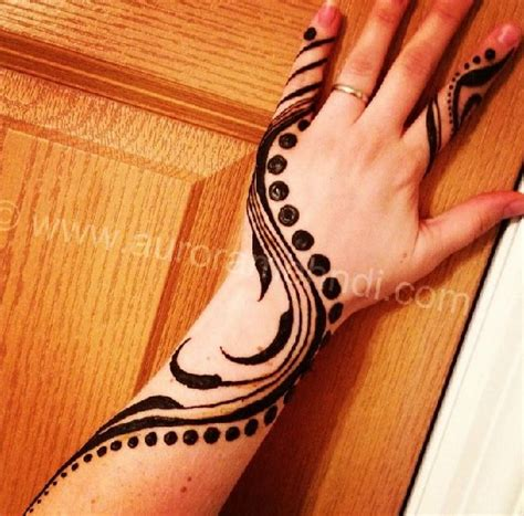 25 beautiful mehndi designs for beginners that you can try