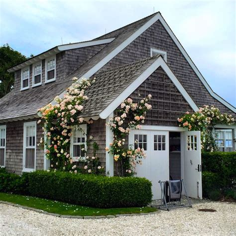 nantucket house 25 best ideas about nantucket cottage on stop