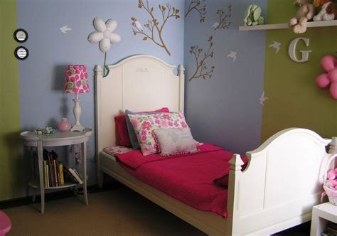 Attractive Large Wall Decor Ideas Living Room #7: Teenage-girl-room-two-colors.jpg