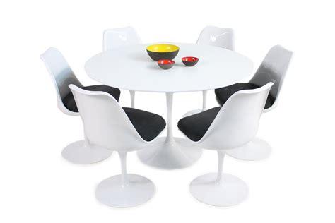 1960s eero saarinen tulip dining table and six swivel chairs knoll int