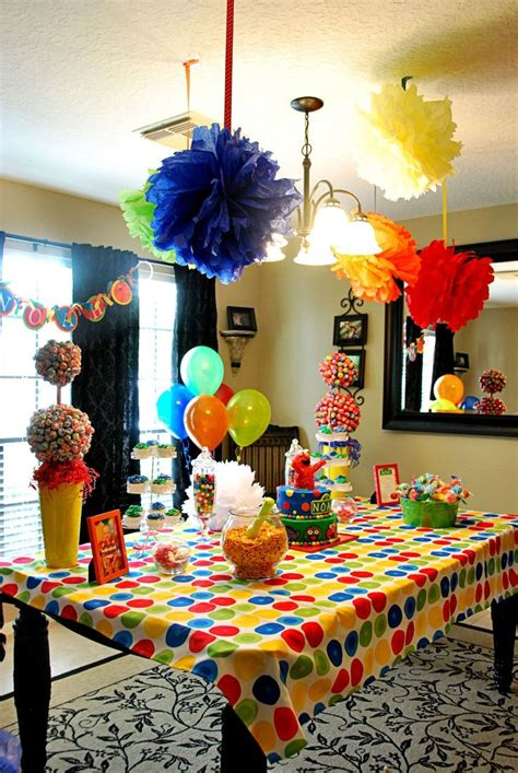 Sesame Decorations by Best 25 Elmo Decorations Ideas On