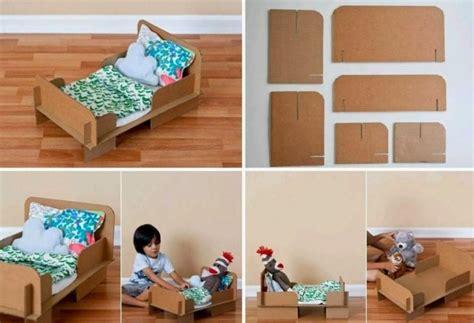 diy como hacer casitas portatarjetas peque 241 as ideas cama de mu 241 ecas realizada con material