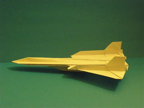 How To Make A Paper Sr 71 Blackbird That Flies - origami sr 71 blackbird tutorial crafting paper