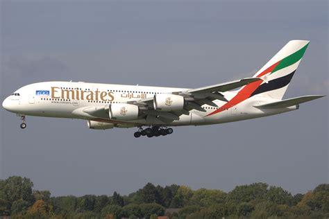 emirates germany emirates airbus a380 861 a6 ede ham hamburg fuhlsbuttel