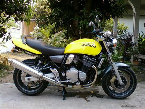 Suzuki Gsx1200 1999 Suzuki Gsx 1200 Picture 1951102