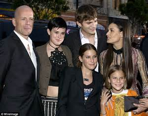 Demi Wants To Another Kid by Demi Ashton Kutcher S Ex Wants More Money In