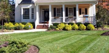 landscaping tips simple front yard landscape plan i like the quot layred quot look the three rows of shrubs give