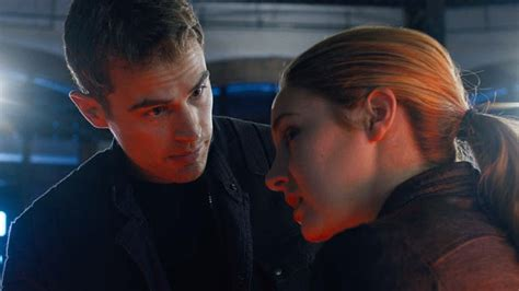 image gallery divergent plot image gallery divergent trailers itunes
