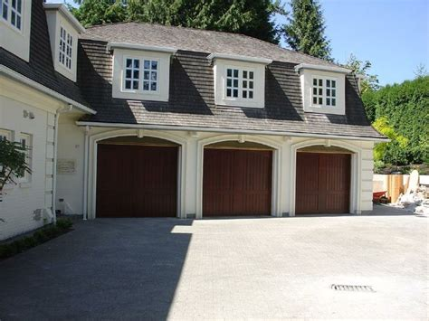 Carriage Style Doors Vancouver Residential Garage Doors Garage Door Styles Residential