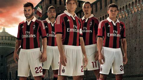 Kaos Wanita Ac Milan Diavollo Rosso Iblis 1 Wnt Ard58 foto jersey kandang ac milan musim 2012 2013 bola net
