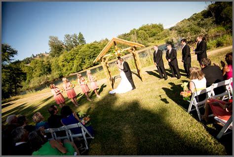 brianna and alex wedding photography northern lights