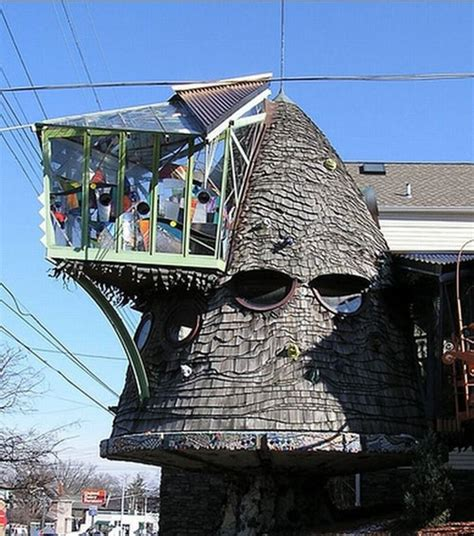 crazy houses wtf spotting 5 really weird shaped houses