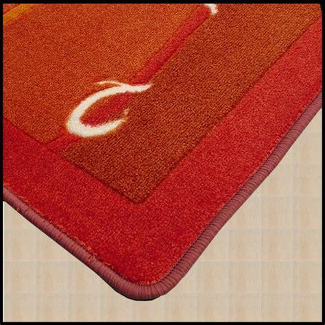 tappeti per il bagno originali prova i tappeti per il bagno con decoro astratto e