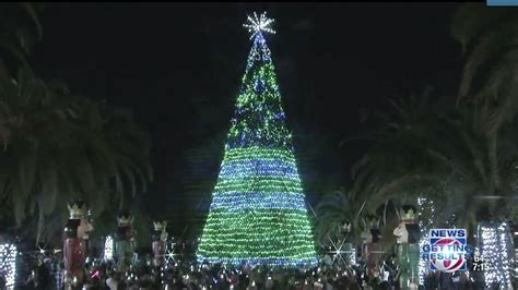 lake eola christmas tree video news 6 kicks lake eola tree lighting