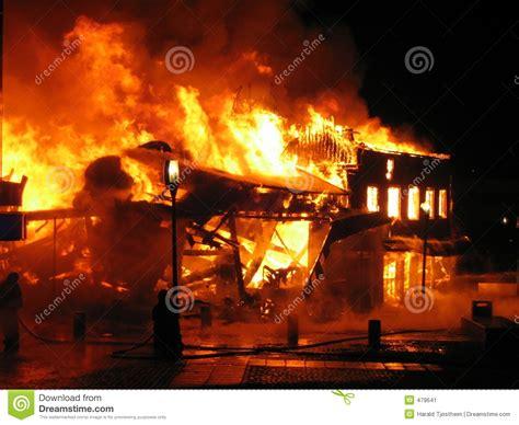 brennendes haus brennendes haus stockbild bild 479641