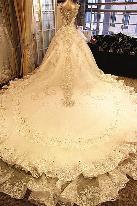 Semi Cathedral Wedding Dress by Semi Cathedral Gown Wedding Dresses