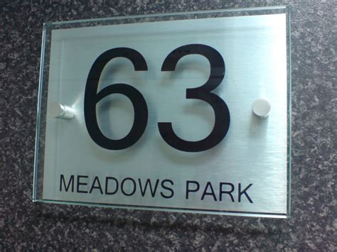 Glass Door Number Plates House Number Plaques Modern Business Modern House Design Choosing A House Number