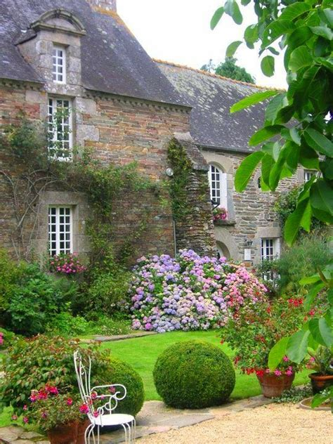 Cottage Garden Farm by Best 25 Country Gardens Ideas On