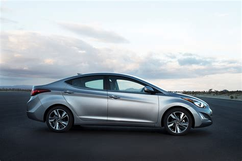 hyundai elantra 2015 official the 2015 hyundai elantra gets slightly updated
