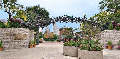 chicago s lincoln park zoo entry gate