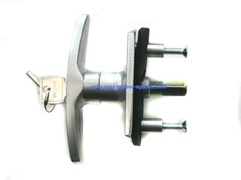 Henderson Garage Door Locks And Handles by Henderson Merlin Garage Door Lock 31mm Spindle Garage