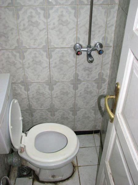 toilet and douche toilettes et douche photo