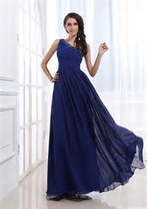 blue evening gown and 2016 2017 fashion trend fashion gossip