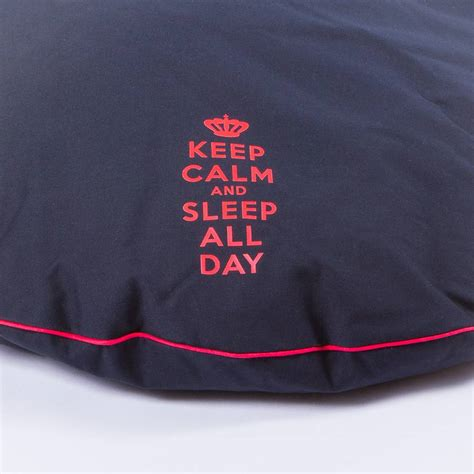 puppy sleeps all day paraperro 174 kussen keep calm and slaap all day and more