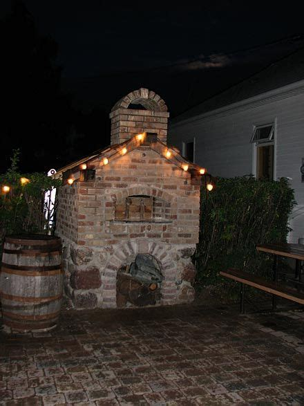 stone house pizza 1000 images about wood fired pizza ovens on pinterest
