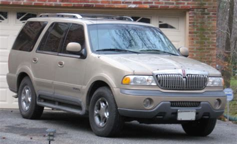 2002 lincoln navigator overview cars com 2002 lincoln navigator information and photos momentcar
