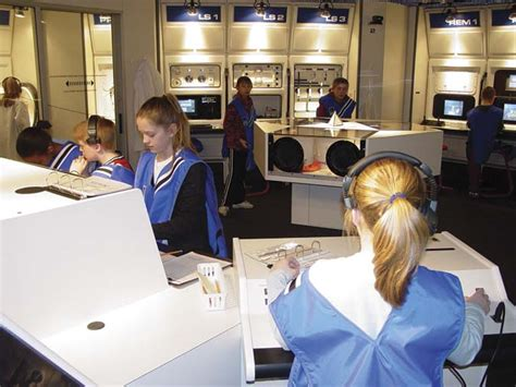 challenger learning center at heartland community college