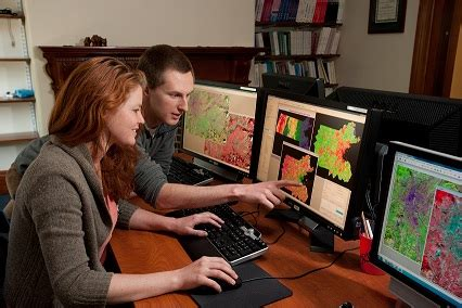gis intern top 6 best gis a gis graduate can do
