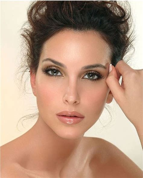 25  best ideas about Wedding Makeup Brunette on Pinterest