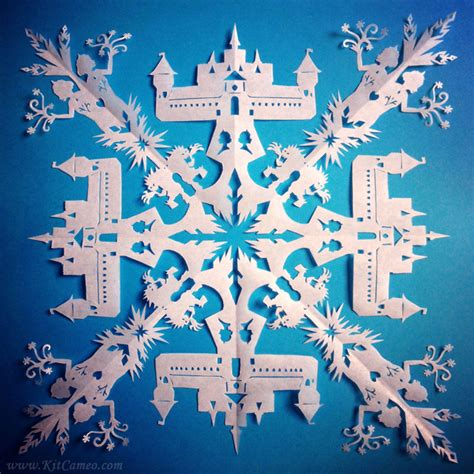How To Make Awesome Paper Snowflakes - beautiful frozen snowflakes are beautiful living