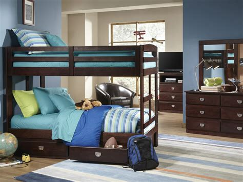 sturdy bunk beds sturdy bunk beds baltimore cherry solid pine bunk bed bold sturdy sturdy metal bunk