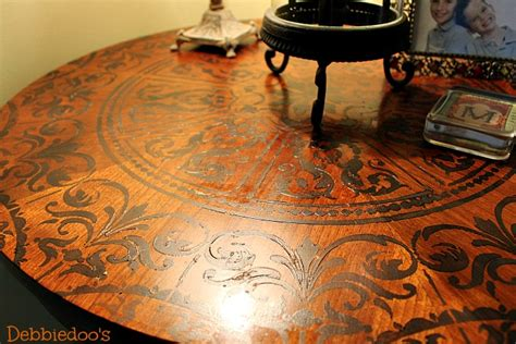 how to stencil a table top diy debbiedoos