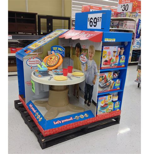 fisher price servin surprises kitchen table display