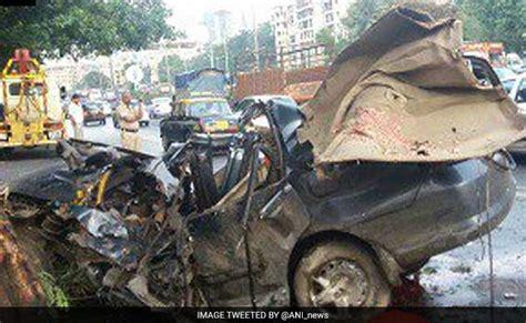 mumbai car crash 5 on late drive in mumbai killed as car crashes into