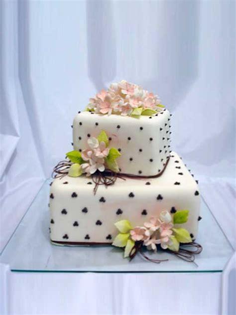 decorar bolo quadrado 35 modelos de bolo de casamento quadrado fotos