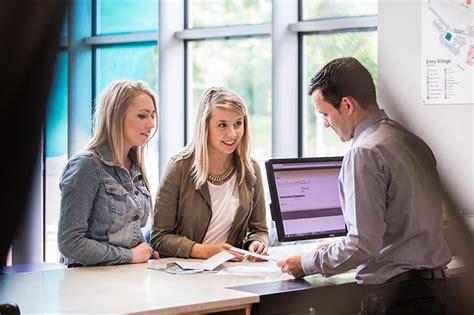 queens college help desk support services study queen s university belfast