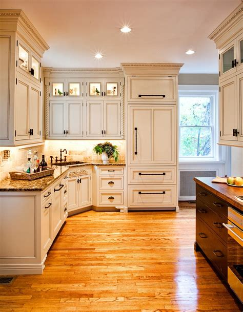 Horizontal Kitchen Cabinets by Horizontal Cabinet Pulls Kitchen Contemporary With Glass