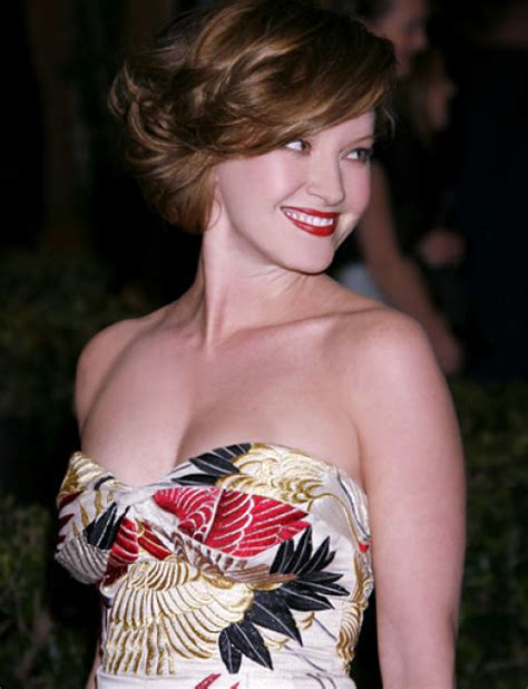 Gretchen Mol And Kristen Bell by 99 Sexiest Alive 99 Pics Izismile