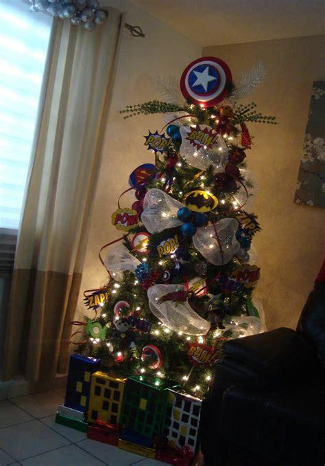 christmas tree superheroes  boys love  pino navideno super heroes  ninos pino de