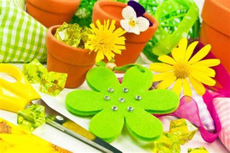 come realizzare fiori di stoffa fiori di stoffa fai da te semplici tutorial donnad