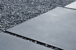 terrassen platten terrassenplatten gro 223 formatplatten sichtbeton