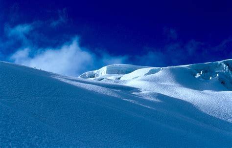 Snow Blue blue snow blue sky a photo from ancash trekearth